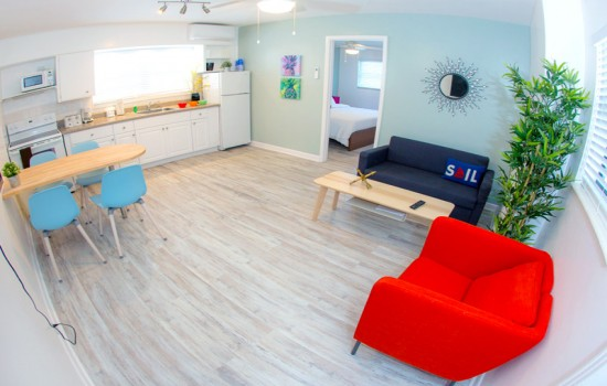 Welcome To St Pete Beach Suites - 1 Bedroom Poolside Suite King