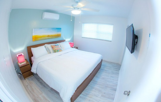 1 Bedroom Poolside Suite King