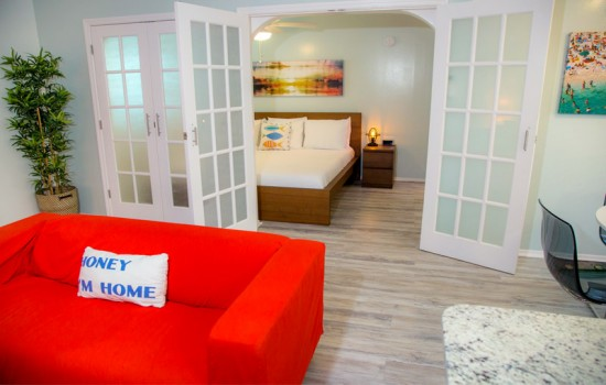 Welcome To St Pete Beach Suites - 1 Bedroom King Suite
